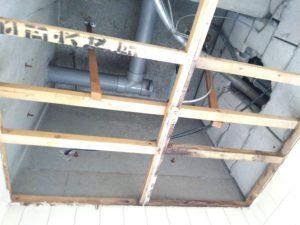 天井壊し後