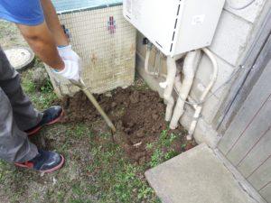 給湯器下水漏れ