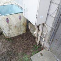 給湯器下漏水修理