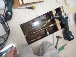 台所床下配管