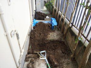 外部漏水修理 土堀
