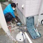 外水栓下で漏水修理
